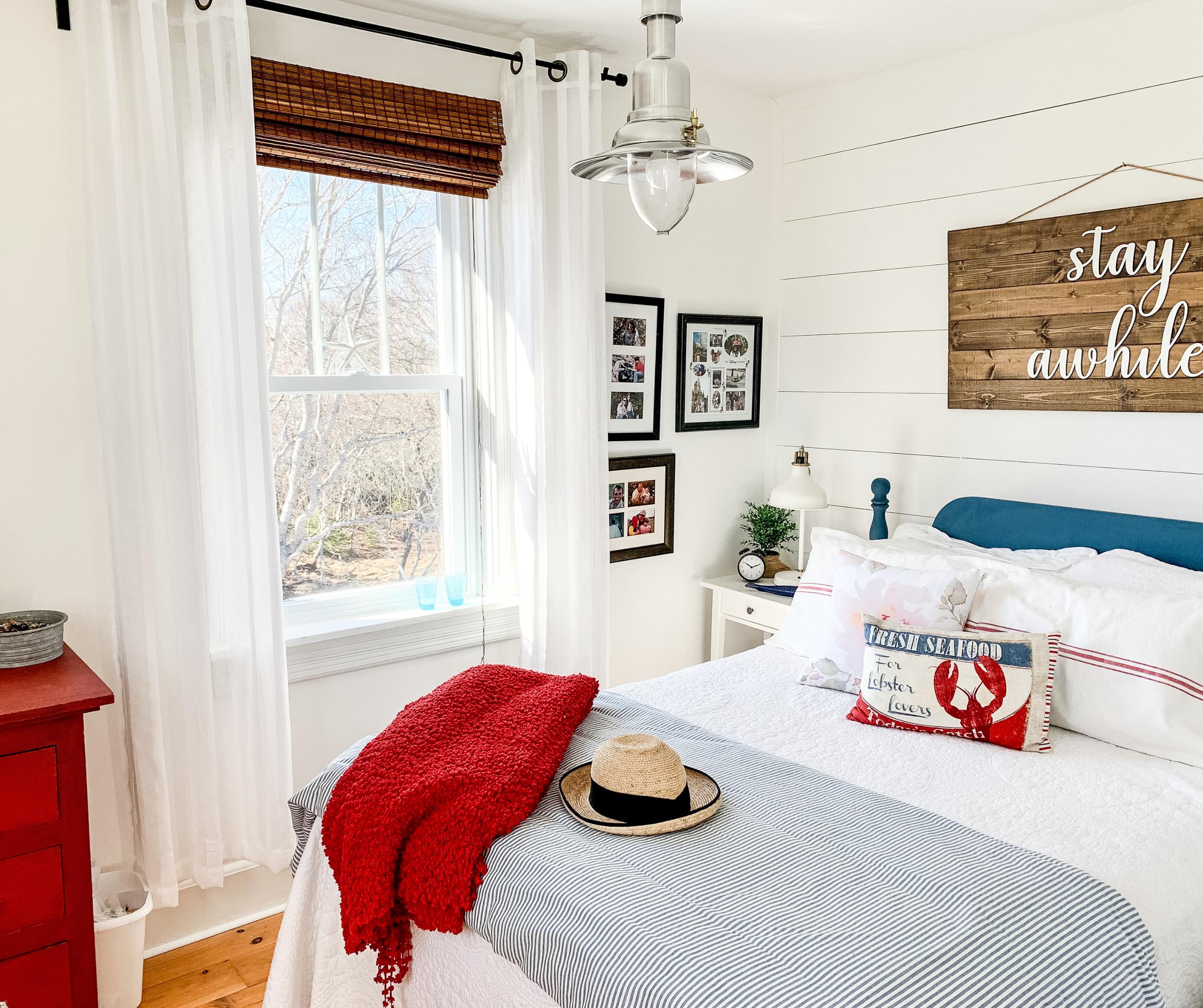 Affordable cottage bedroom